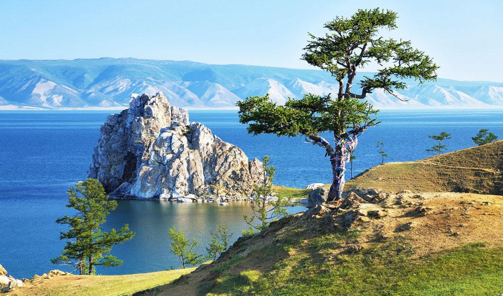 Озеро Байкал популярное место в России